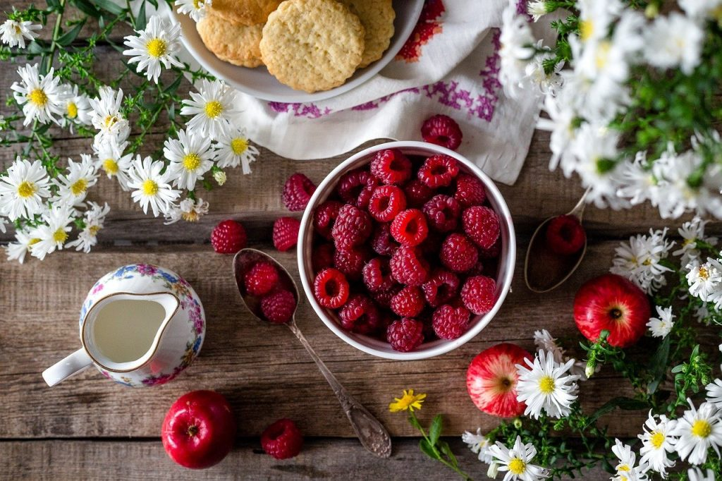 Raspberries in a bowl.